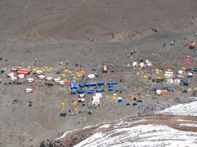 Bazni kamp Plaza de Mulas_1