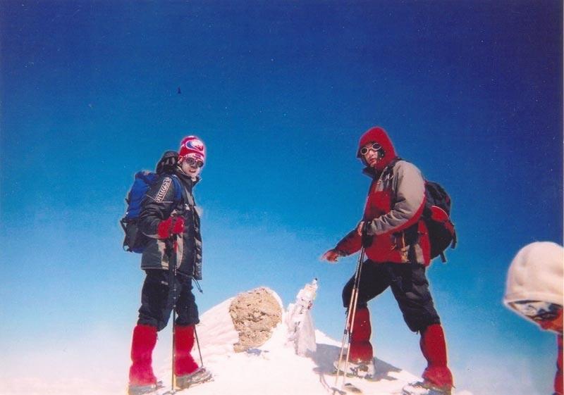bojan-boskovic-i-dragan-bulatovic-na-vrhu-elbrus-5642-m